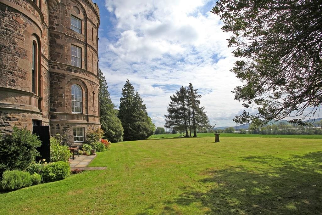 Flat 8, Pitfour Castle, Glencarse, St Madoes, Perthshire, PH2 7NJ, UK